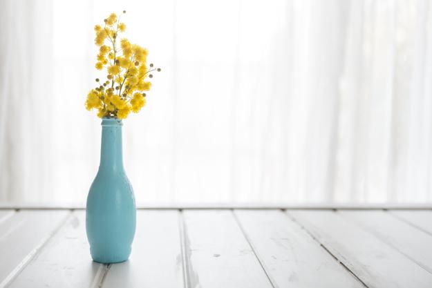 Роль вазы для одного цветка в интерьере
